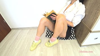 Schoolgirl afterclass study turn into a orgasm. Amateure