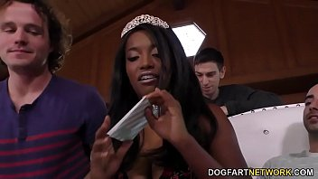 Watch Anal Sut Daya Knight Enjoys Her_Birthday Gangbang preview
