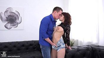Angelin Joy gets her fuckholes gaped