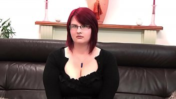 Curvy Lady Lycan gets mind controlled by Entrancement
