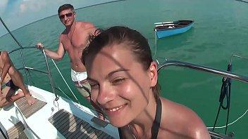 Mega Sex Party auf dem Boot - Pornstars