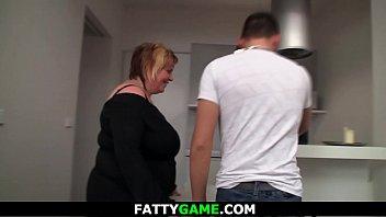 Huge boobs plumper picks up a guy