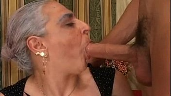 Granny creampie sesso video
