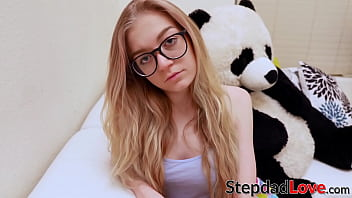 Geeky stepdaughter earns messy facial