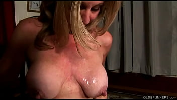 Fit older babe enjoys blowing and screwing for a facial cumshot