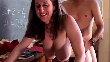 Cute chubby pornstar Kitty Lee loves to fuck