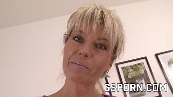 Hot mature blonde milf want a young cock