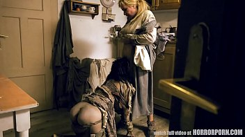 Crazy mother and her two abused daughters - HORRORPORN