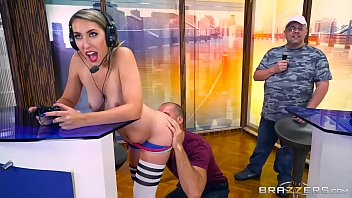 Brazzers - Gamer girl Kimber lee needs a distraction