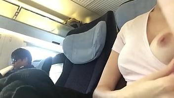 Tétons surprise dans le TGV
