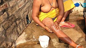 भारतीय आउटडोर स्नान