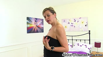 UK milf Silky Thighs Lou strips off and gives her shaven cunny the finger treatment (now available in Full HD 1080P). Bonus video: English milf Abi.
