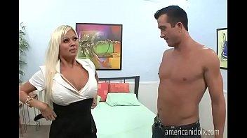 Store bryster er det bedste...