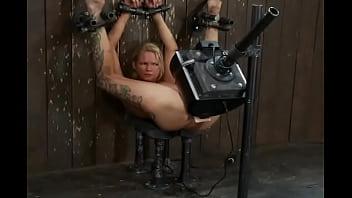 Bundet prostitueret odelagt med ekstrem...