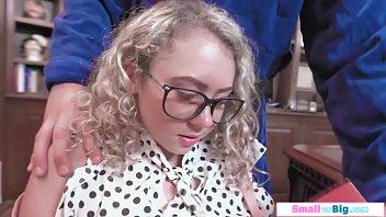 Cute blond jugendlich gefickt von...