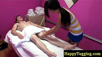 Petite asian masseuse on spycam sucking