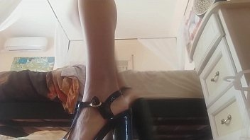 your aunt has many beautiful high sandals and she use em for...INSERTION! what a hot game!