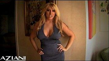 Heather Summers enjoying a hot orgasm