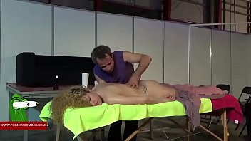 Massage in_the pussy Thumbnail