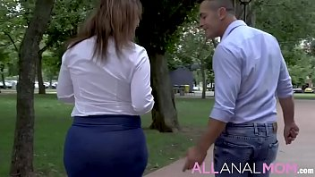 Montse Swinger has an extremely unique way of getting
