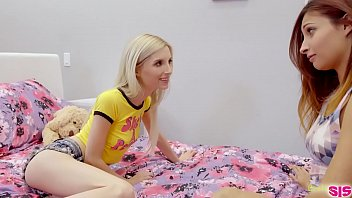 Julie robbins in pink pantyhose comments