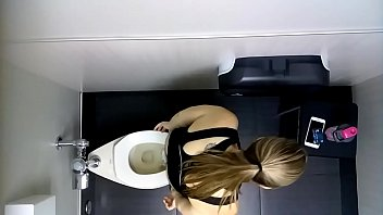 Public toilet voyeur pooping' Search - XNXX.COM