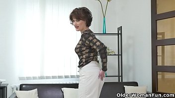 Glorious milfs from Europe: Roxana, Alice and Sunny