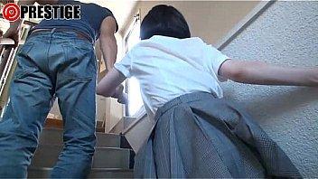 かわいい少女がマッサージ中にクリを弄られて痙攣の学生系動画