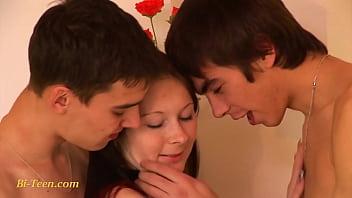 les jeunes bisexuels adolescents