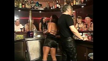 deutsche Freunde machen Gruppen Sex swinger treffen in privater Wohnung