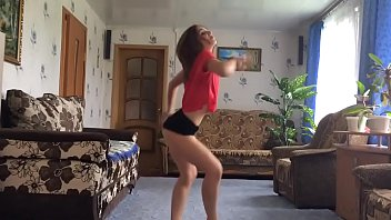 18 year girl twerking