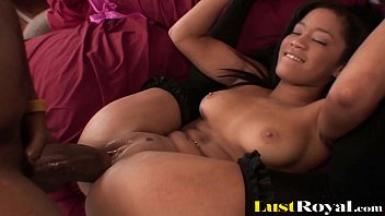 Black Teen Can Barely Take A Big Cock In Her Tight Peach