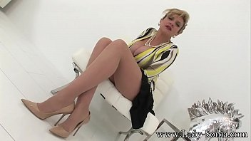 British MILF Lady Sonia masturbating in heels