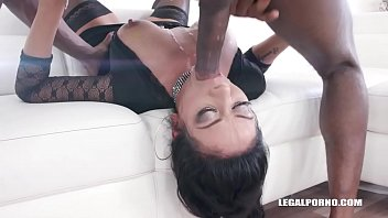 Morgan XX enjoys kinky anal play IV320