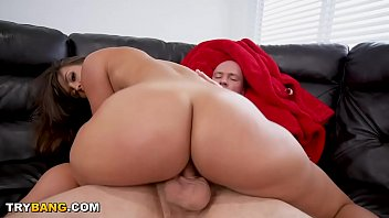 Juicy PAWG Kelsi Monroe Showing Off In Public, Riding Dick Like A Champ!