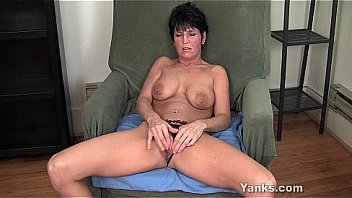 Pierced Milf Kassandra Masturbating Thumbnail