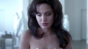 Angelina Jolie & Elizabeth Mitchell - Gia: sex nude boobs titts tette topless ass film movie sesso natural nipples