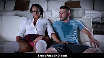 Nerdy Thick Black Girl With A Big Ass And Huge Natural Tits Wearing Braces Emori Pleezer Has Sex With White Classmate