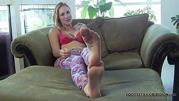 Foot Fetish and Foot Worshiping Tube Videos Thumbnail