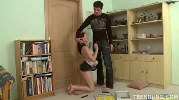 Watch Soy una buena hermana adolescente_de la universidad. Mi hermano me hace mojar. - WWW.FAPLIX.COM preview