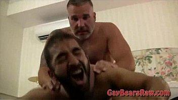 Musculosos bear gay porno Hairy Bear Ass Finger Fucked Xnxx Com