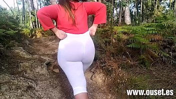 Mujer con culo increible folla en publico.  https://www.onlyfans.com/ouset
