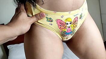 Mi Sobrina Inocente me Enseña sus Nuevas Panties - El Dia en que me Aproveche de mi Hermosa Sobrina