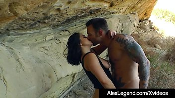 Alex Legend & Lea Lexis do crazy desert mountain fucking as she sucks his cock & Alex licks & fucks her holes! Pearls necklace in the hills? Oh yeah! Thumbnail