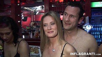 Geman Group - Mehrere Deutsche Paare treffen sich zum Gangbang im Pornokino