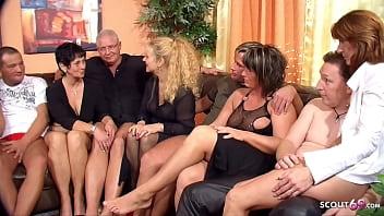 Versaute Swinger Party in Dortmund wo ihre Ehefrauen wild rum ficken