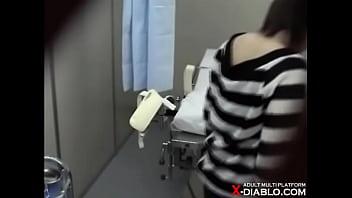 関西某産婦人科に仕掛けられていた隠しカメラ映像が流出 19歳美人女子大生ヒロミ 内診台2