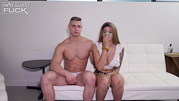 Ivy Steele Shows Hunky Stud Her Amazing Riding Skills
