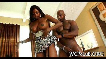 Busty sort kvinde med sort...