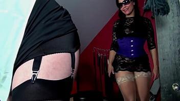 tranny gebundenen in bondage porno